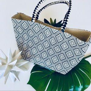 Handbags - Straw Tote Bag